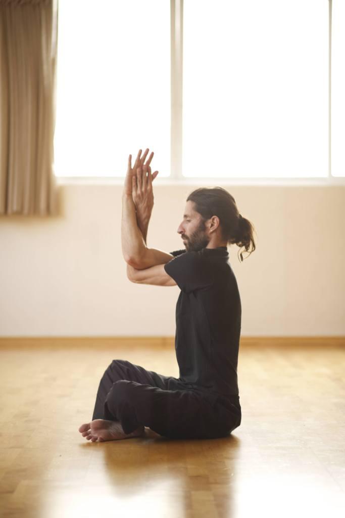 תרגילי יוגה בסיסיים