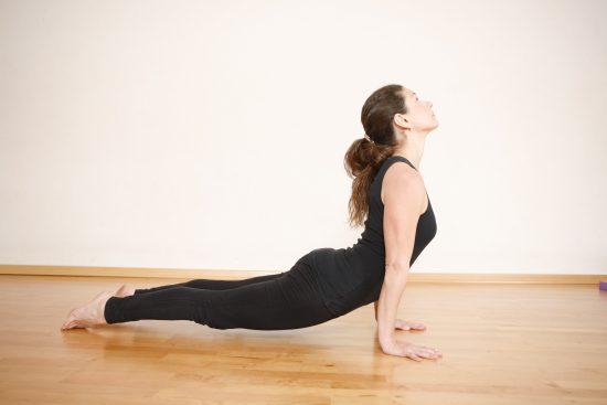 תרגילי יוגה למתחילים שכולם יכולים לעשות